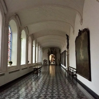 In de pandgangen van het Augustinusklooster met uitleg door Paul Oyen
