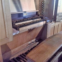 De speeltafel van het Gabriel Loncke-orgel van Sint-Martinus te Ekkergem
